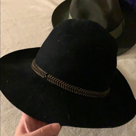 34b4ae8a3 Kendall & Kylie black floppy brim Hat